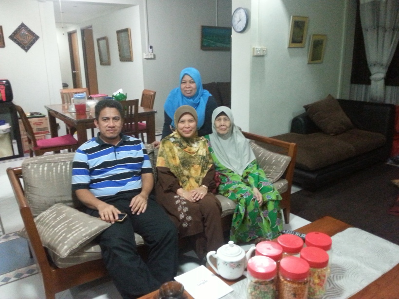 Visited my aunty who has migrated to Singapore.